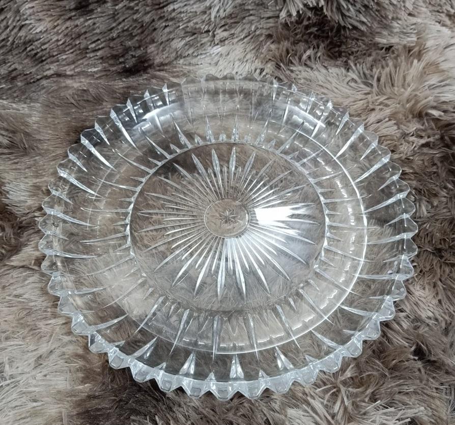Đĩa thủy tinh tròn trắng khía