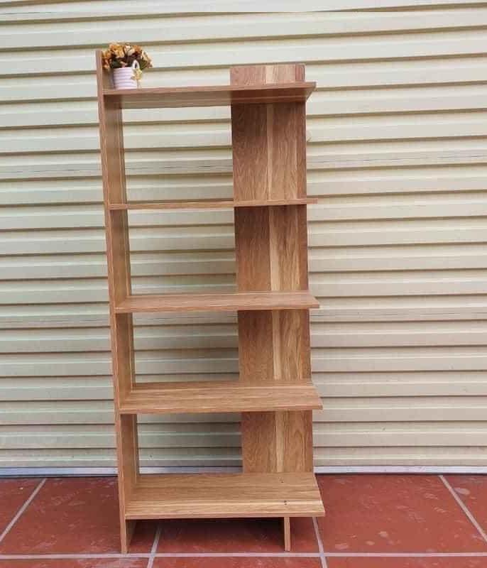 Kệ gỗ góc tường để sách, để đồ