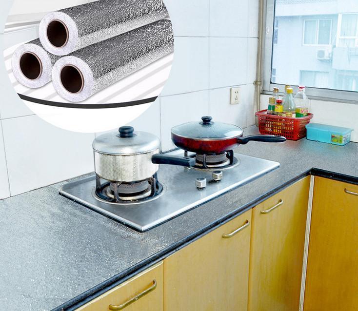 Cuộn giấy bạc dán bếp (60cmx3m)