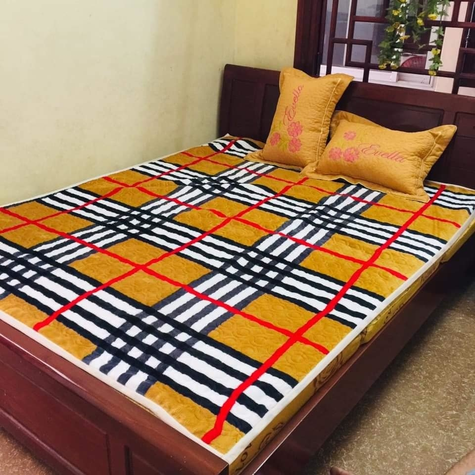 Thảm nỉ trải giường 1,5x1,9m Việt Nam