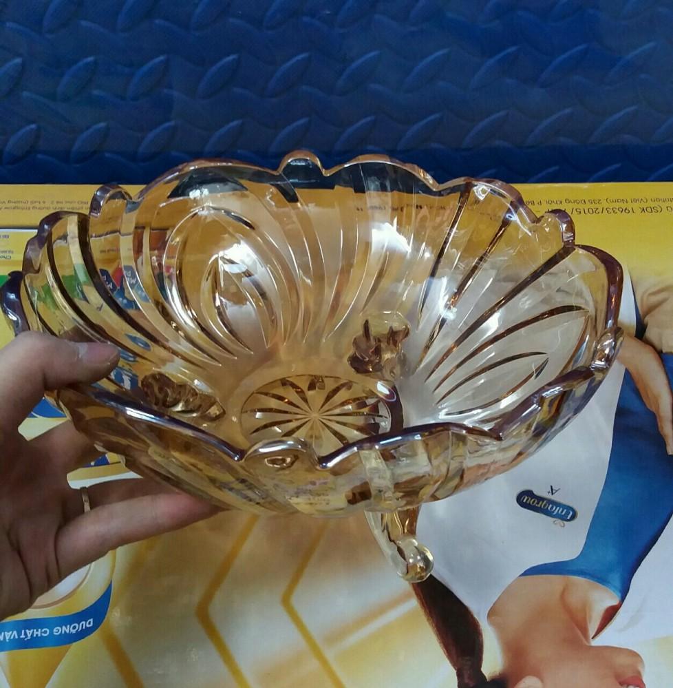 Âu thủy tinh 3 chân vàng