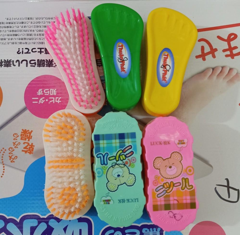 Bàn chải hình bàn chân/Nhật