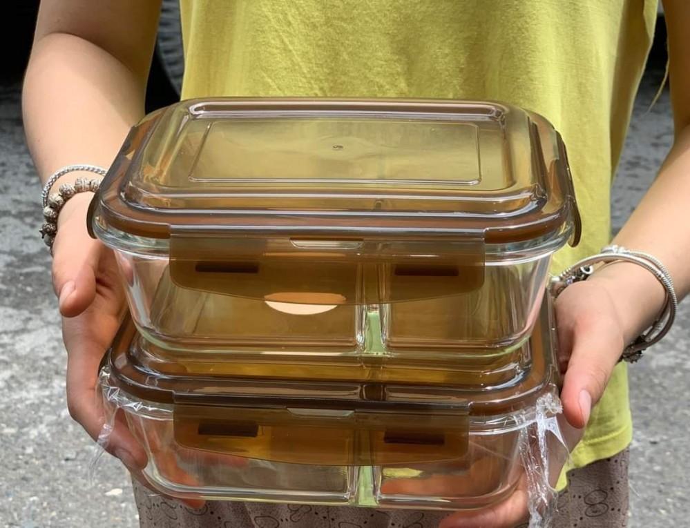 Hộp thủy tinh chia 2 ngăn, chịu nhiệt, nắp nâu