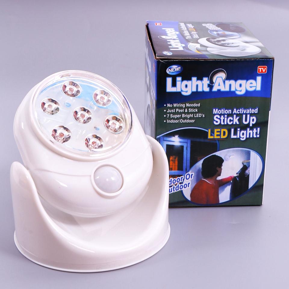 Đèn LED dán tường siêu sáng xoay 360 độ