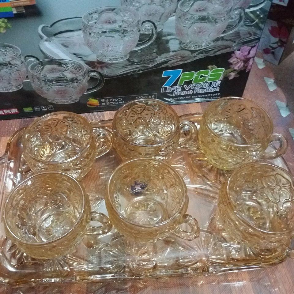Bộ cốc cafe + khay thủy tinh vàng (hoa mai)